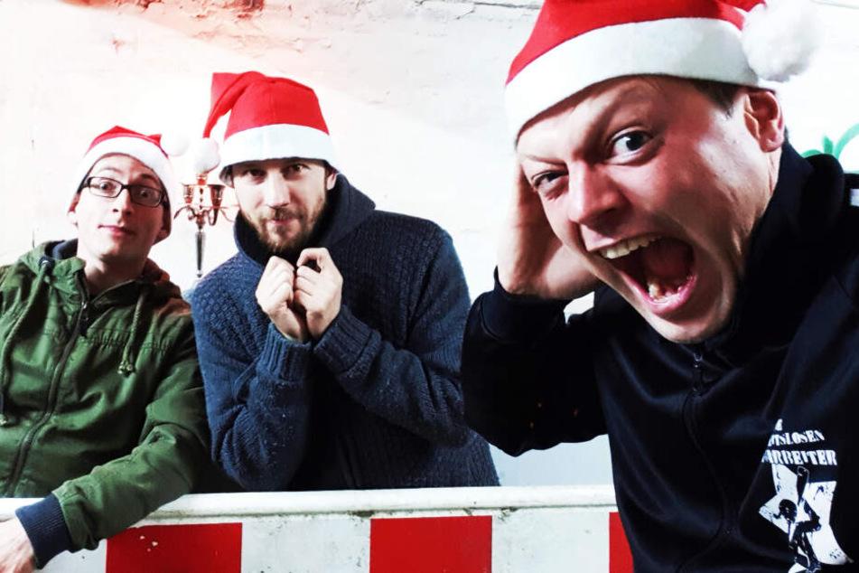 """""""Die Arbeitslosen Bauarbeiter"""" geben drei unbesinnliche Weihnachtskonzerte im City-Pub."""
