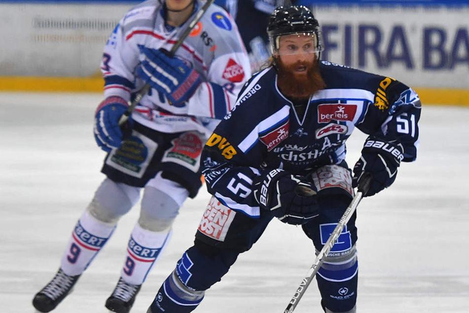 Thomas Pielmeier (M.) ist heiß auf einen Sieg gegen Ravenburg.