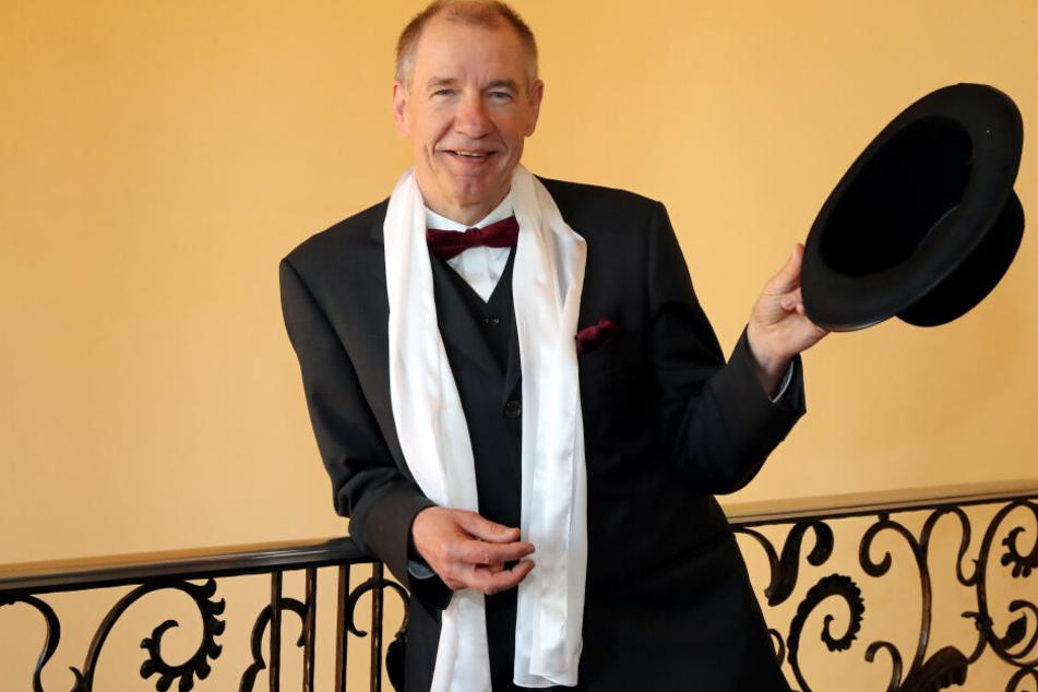 Sein Motto lautet: Let's Dance! Gigolo Steffen Kurock (63) ist ein Mann mit makellosen Manieren und Tanzqualitäten. Die selbst auferlegte Pflicht hält ihn fit.