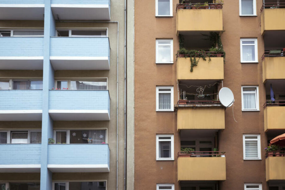 Berlin: Spektakulärer Fluchtversuch: Einbrecher springen vom Balkon!