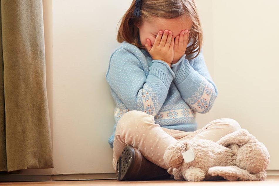 Die Mädchen wurden nur zu einem grausamen Zweck adoptiert. (Symbolbild)
