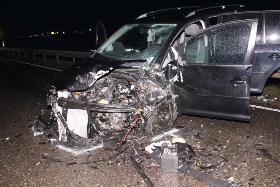 Die VW-Fahrerin wurde schwer verletzt in ein Krankenhaus gebracht.