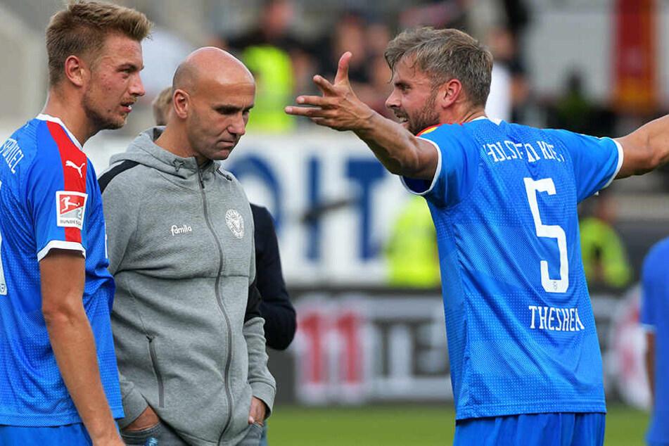 André Schubert (M.) wurde nach sieben Spielen als Trainer von Holstein Kiel entlassen.