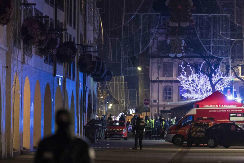Zwei Menschen wurden nahe des Straßburger Weihnachtsmarkts getötet, mehrere Menschen verletzt – teilweise schwer.