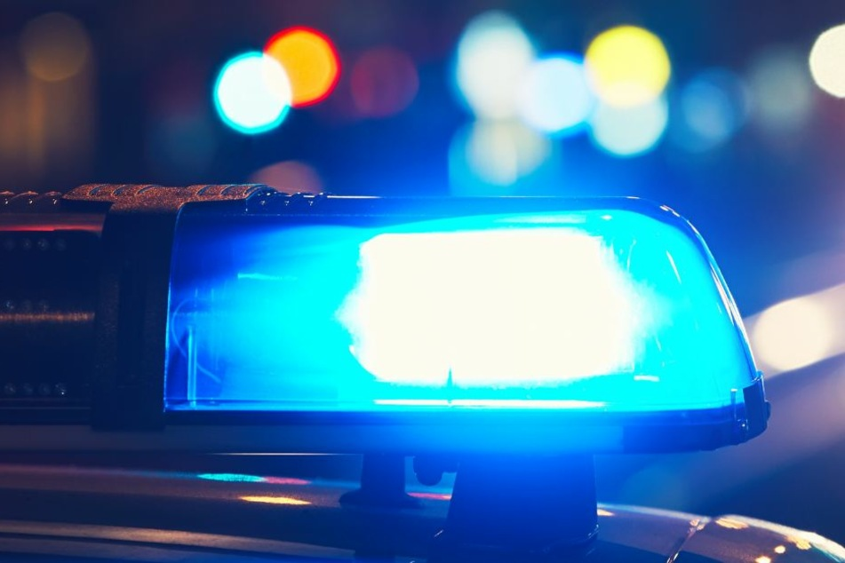 Die Polizei ermittelt derzeit die Ursache des tödlichen Unfalls auf der A3 (Symbolbild).