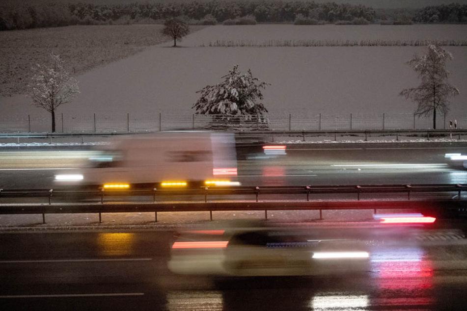Stau nach Unfall auf der A9: Autobahn wird bei Garching gesperrt