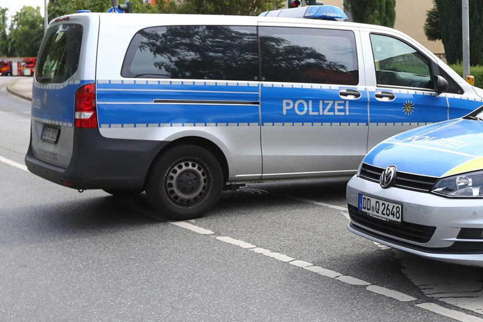 In Dresden-Leuben entblößte sich ein Mann vor zwei spielenden Mädchen. Die Polizei sucht Zeugen.