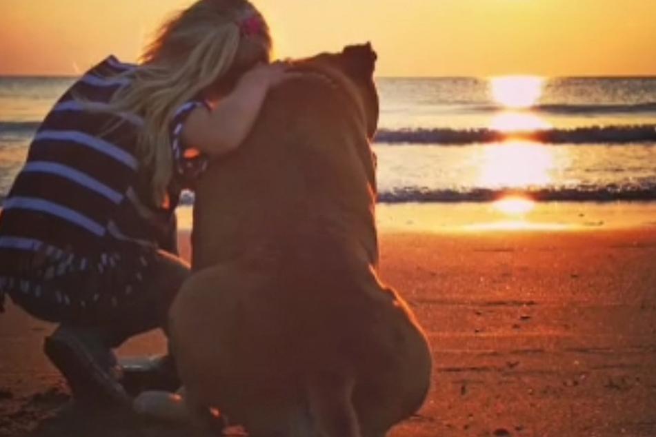 Die siebenjährige Lynn und ihr Hund Jaden waren ein Herz und eine Seele.