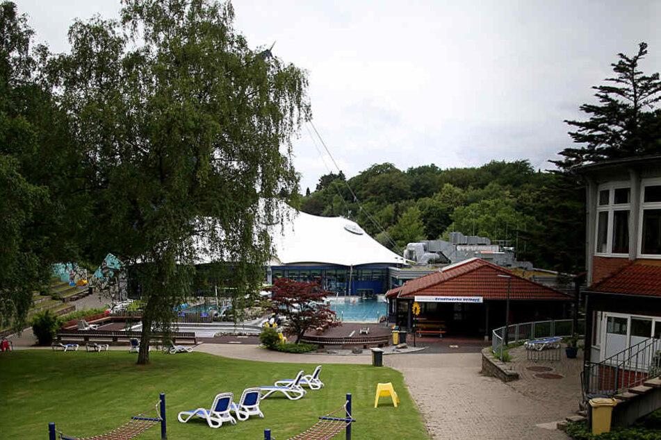 Auf dem Heimweg von diesem Schwimmbad in Velbert wurde das Mädchen (13) in einem Wald missbraucht.