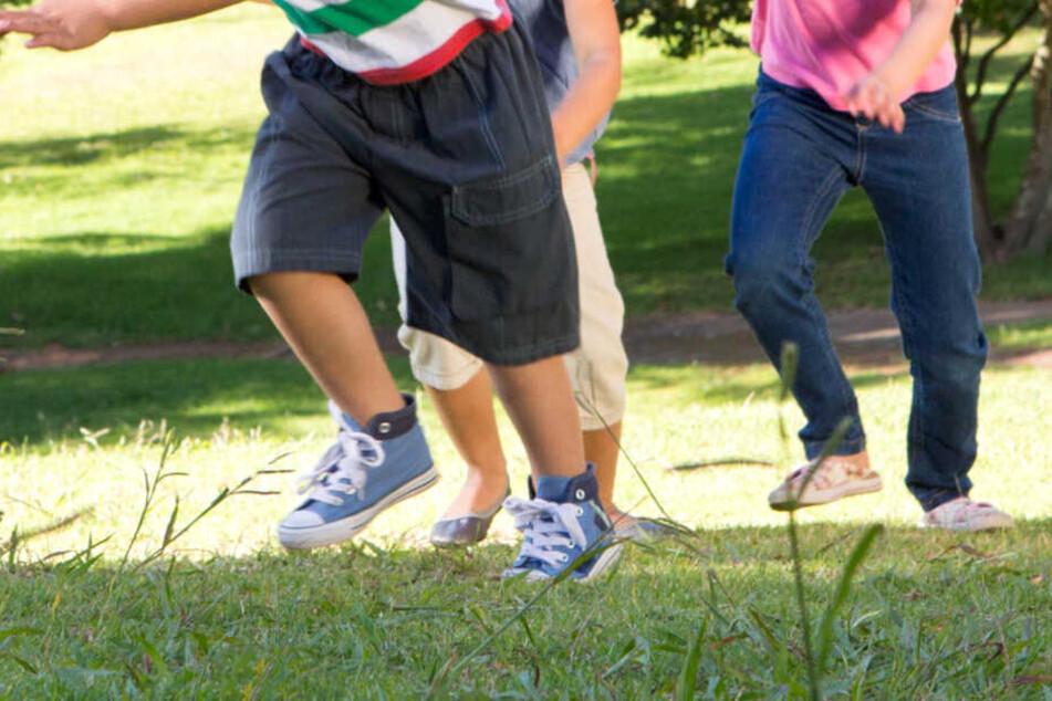 Die Kinder hatten gespielt und dabei den Sprengkopf entdeckt. (Symbolbild)