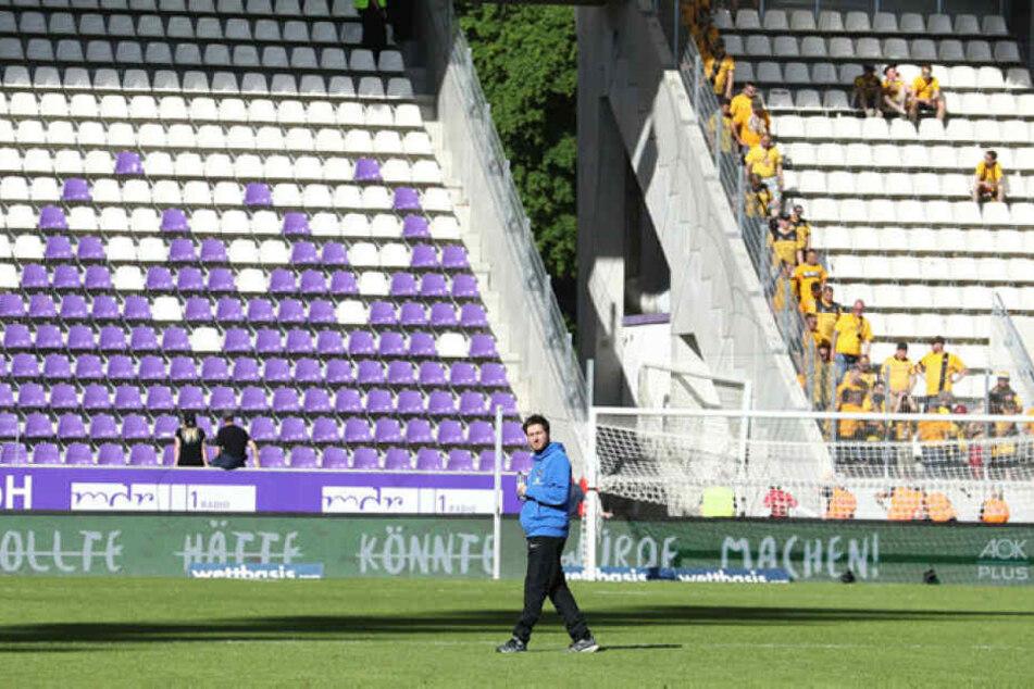 Vorm Sachsenderby gegen Dynamo schritt Hannes Drews noch einmal ganz allein den Rasen ab. Wohl auch, um seine Gedanken zu sammeln.