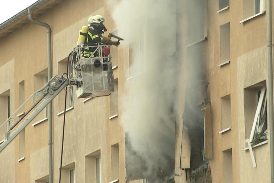 Noch immer ist nicht klar, wie es zu der Explosion in dem Mehrfamilienhaus im Leipziger Südosten kommen konnte.