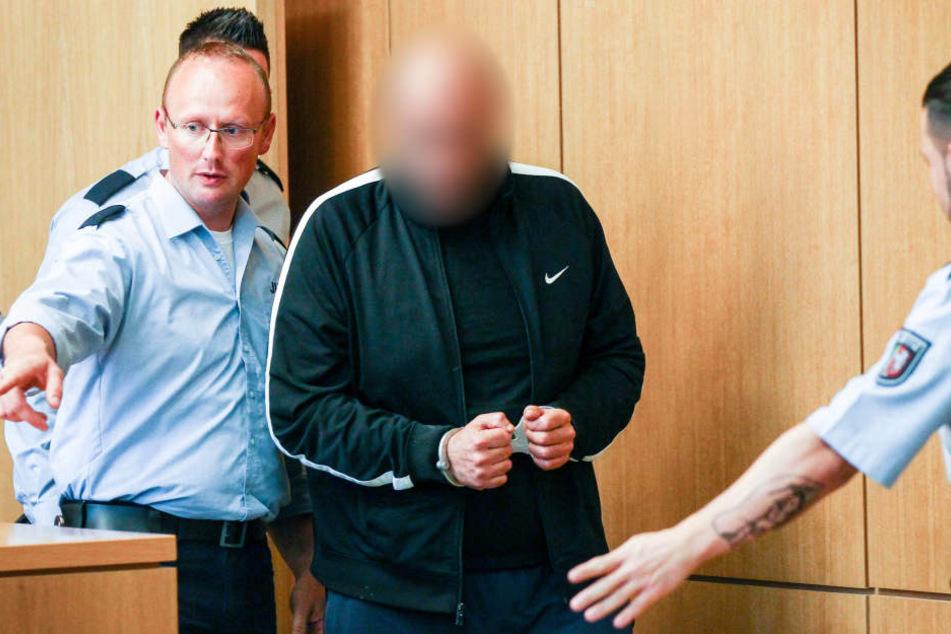 Der angeklagte Mann bei einem der vorherigen Gerichtstermine.