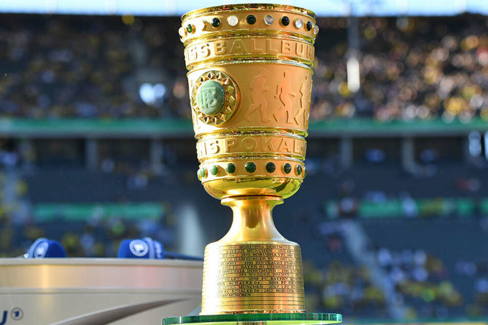 Der begehrte goldene Pokal: Können die Teams aus Berlin und Brandenburg diesmal mehr mitmischen?