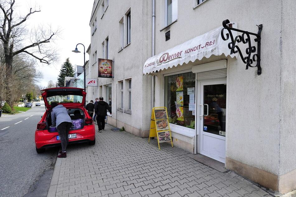 Ab sofort gilt Halteverbot an der Markersdorfer Straße 59. Für die Händler ist das eine Katastrophe.