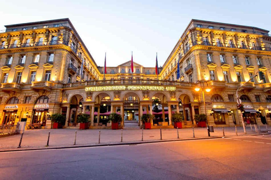 Der Frankfurter Hof gehört zu den bekanntesten Hotels der Stadt.