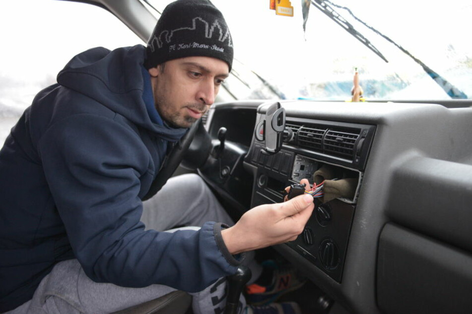 Die Diebe klauten das Radio aus dem VW T4 von René Domm.