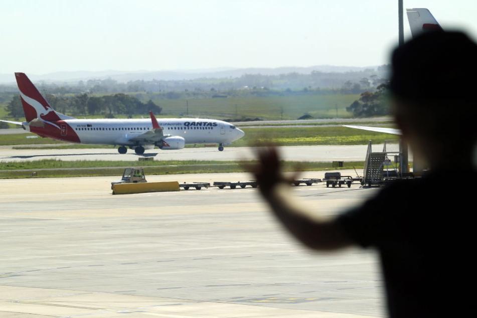 Auf einem Flug der Airline Qantas ist eine Frau verstorben.