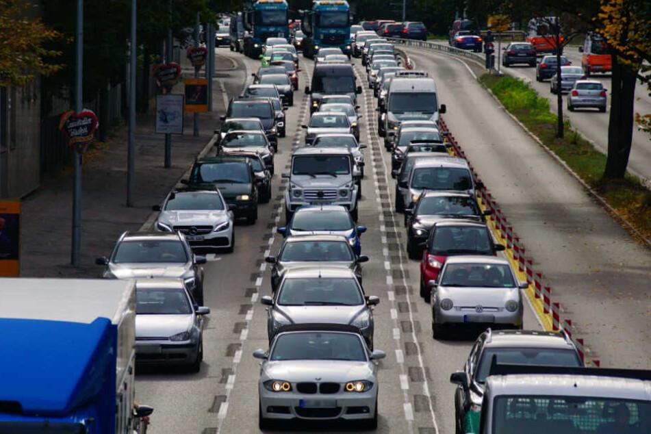 Auf der Cannstatter Straße kam es aufgrund eines Unfalls am Donnerstagnachmittag zu Stau.