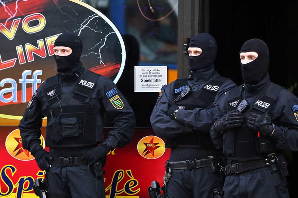 Erfolgreiche Razzien: Bei den Durchsuchungen Mitte und Ende Mai stieß die Polizei auf mehrere Kilo Marihuana und Crystal (Symbolbild).