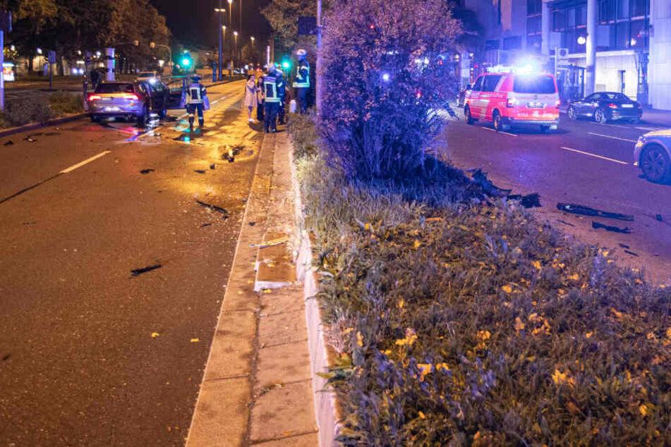 Betrunken und zu schnell durch Stuttgart: Unfall mit voll besetztem Auto