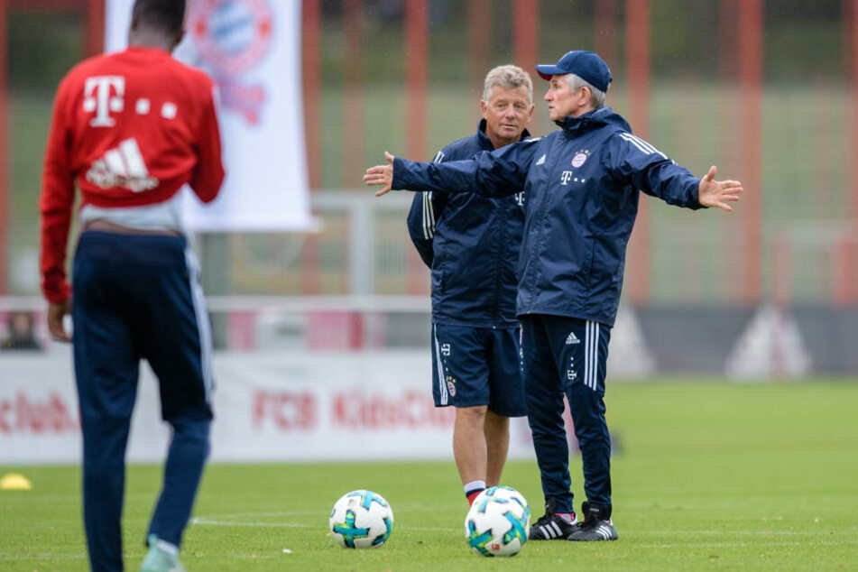 Peter Hermann (Mitte) wechselte für bis zu zwei Millionen Euro zum FC Bayern München, um dort als Co-Trainer von Jupp Heynckes (rechts) zu fungieren.