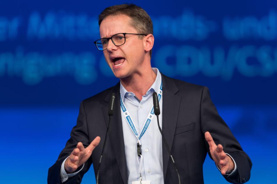 """Der Vorstoß des CDU-Politikers sei auch als Warnung vor """"neuen Parallelgesellschaften"""" zu verstehen."""