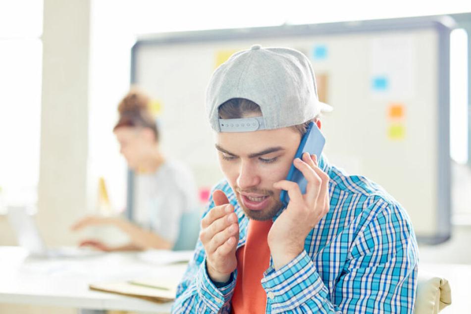 Viele Menschen meiden das Telefonieren, weil sie Angst vor der Reaktion des anderen haben. (Symbolbild)