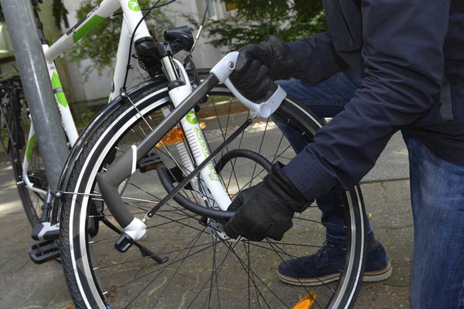 Eigentlich wollte der 23-Jährige nur den Diebstahl seines Fahrrads anzeigen ... (Symbolbild)