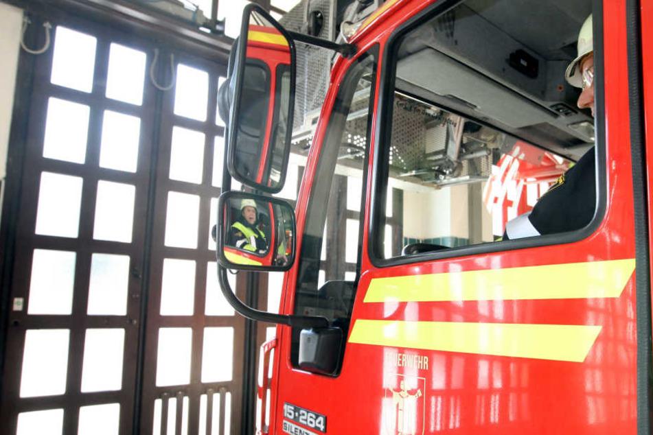 Mehrere Freiwillige Feuerwehren waren mit einem Großaufgebot vor Ort. (Symbolbild)