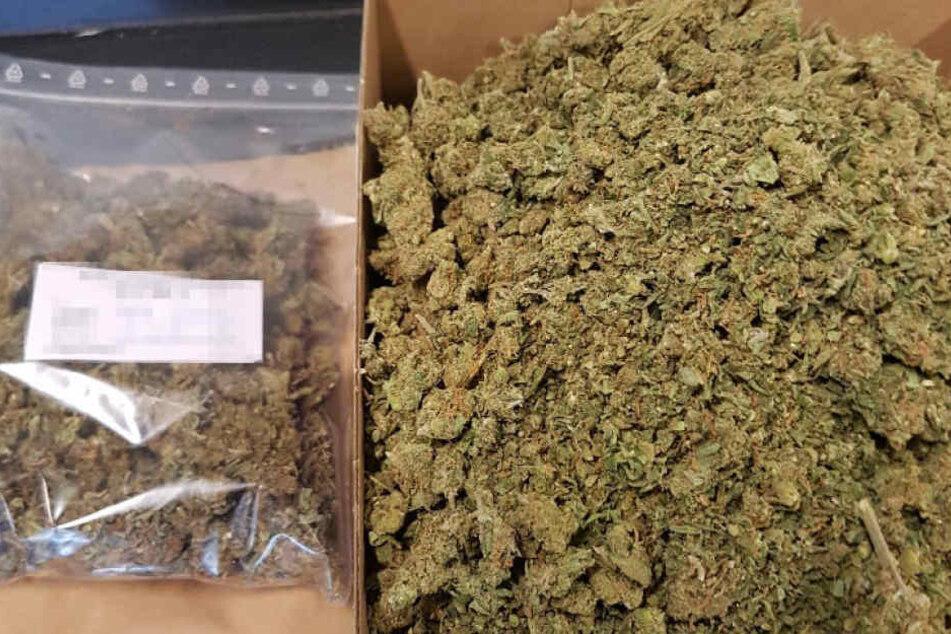 Diesen Drogenfund machte die Polizei im Rucksack des Radlers.