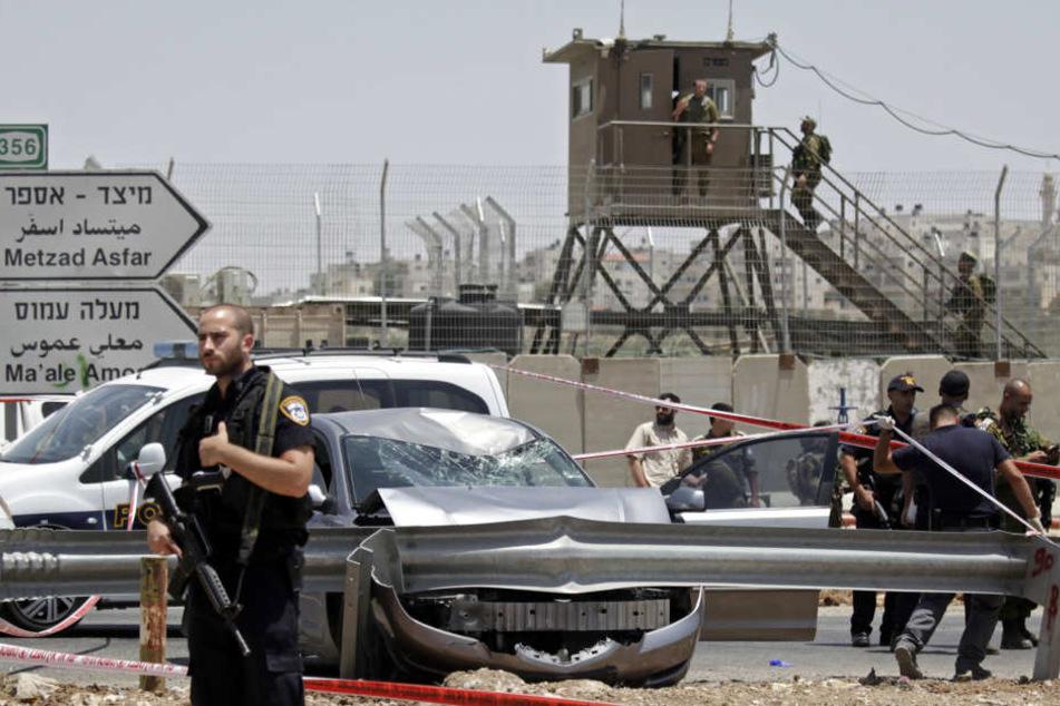 In der Nähe von Hebron hat ein Palästinenser israelische Soldaten angegriffen.