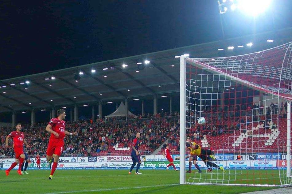 Gegen Jahn Regensburg gelang dem FSV Zwickau ein klarer 4:0-Erfolg unter Flutlicht. Ein gutes Omen für das Spiel gegen Aalen?