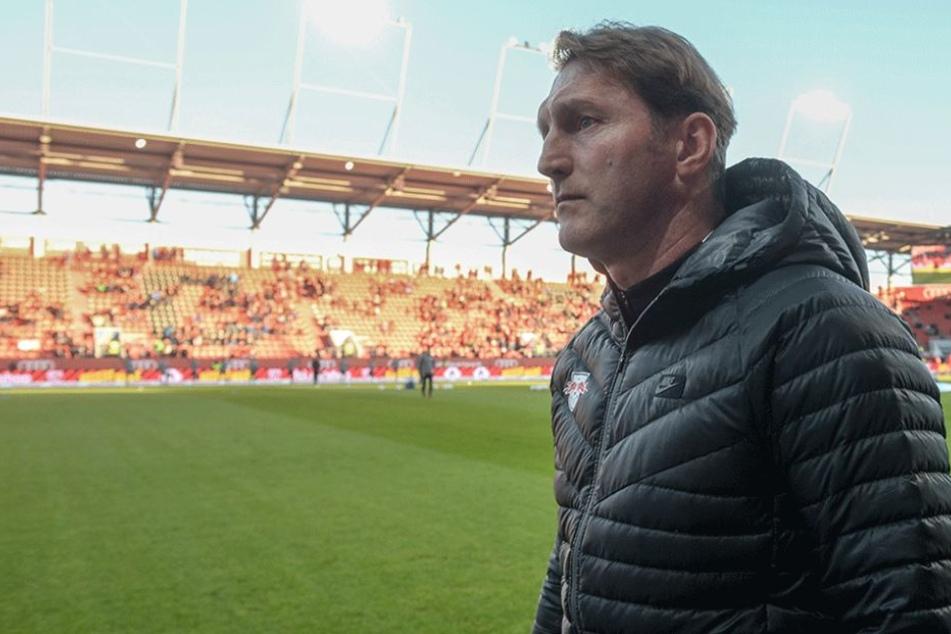 RB-Choach Ralph Hasenhüttl arbeitet jetzt mit seiner jungen Mannschaft die Niederlage beim Tabellenletzten auf.