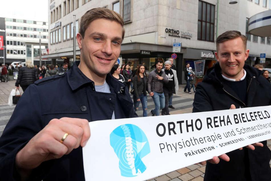Tom Schütz (30, li.) und Matthias Niedergassel haben eine Physiopraxis übernommen.