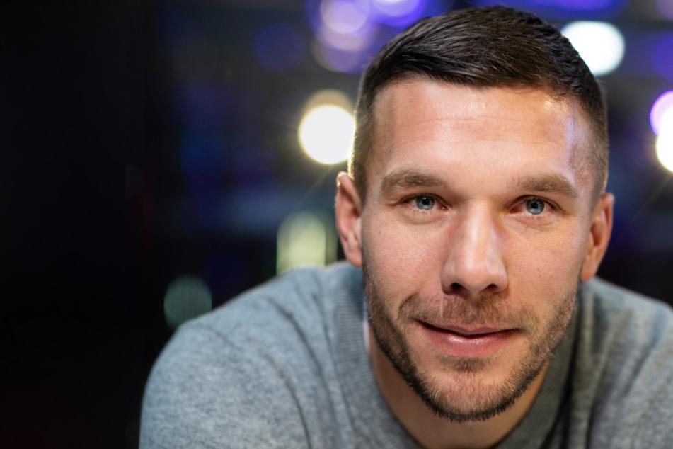 Lukas Podolski Stiftung spendet 25.000 Euro an Haie-Nachwuchs