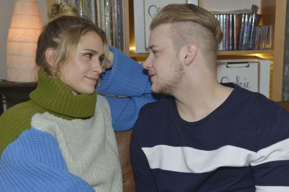Jonas wird seiner Freundin Sophie nach Singapur folgen. Verlässt Schauspieler Felix van Deventer GZSZ ebenfalls für immer?
