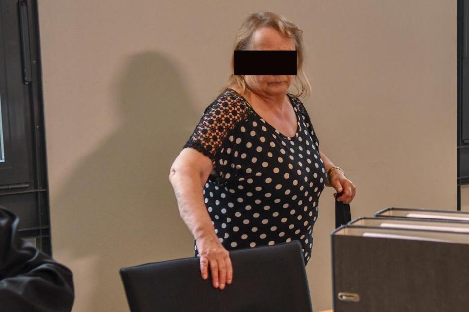 Angelika H. ist wegen Totschlags angeklagt. Der Prozess begann am heutigen Dienstag.