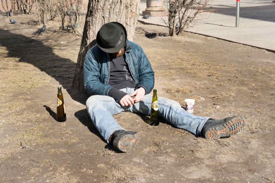 Der mutmaßliche Einbrecher wurde völlig betrunken mit Diebesgut in der Nähe des Tatorts gefunden (Symbolbild).