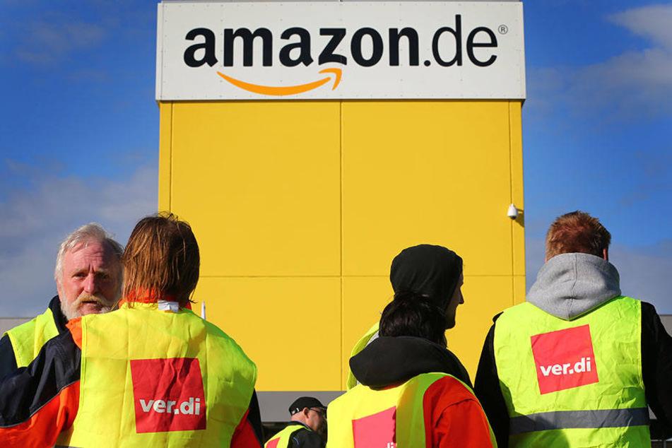 Die Mitarbeiter von Amazon Leipzig streikten am Freitag für bessere Löhne und Gesundheitsbedingungen am Arbeitsplatz.