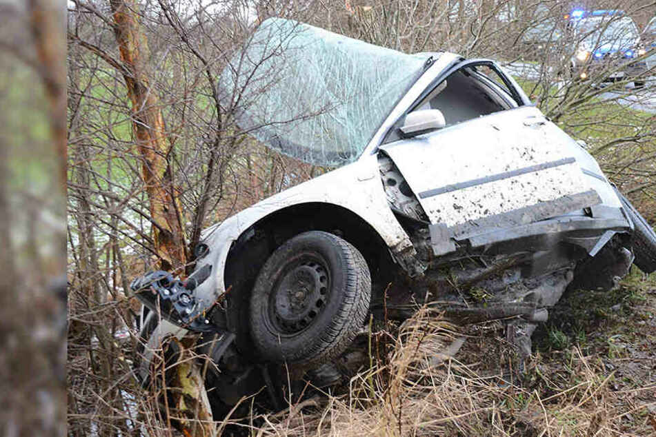 20-Jähriger bei Horror-Crash lebensgefährlich verletzt