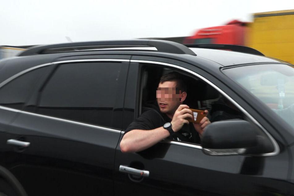 Die Polizei hatte nach dem schweren Unfall auf der A6 bei Nürnberg wieder mit Gaffern zu kämpfen.
