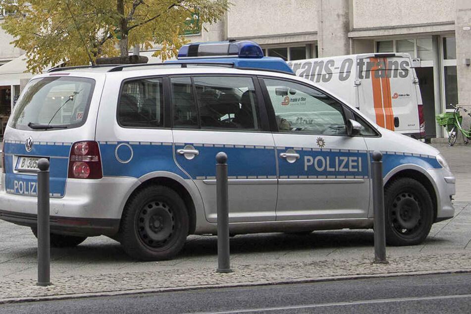 Vier mutmaßliche Täter gingen am Alexanderplatz auf einen 23-Jährigen los (Symbolbild).