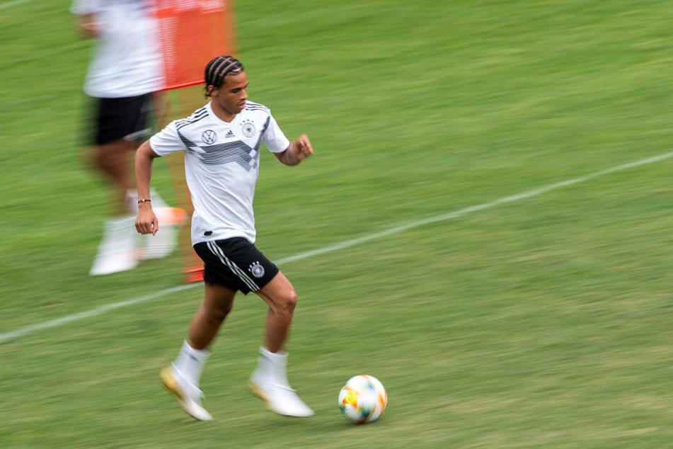 Die Gerüchteküche um einen Wechsel von Leroy Sané zum FC Bayern brodelt.