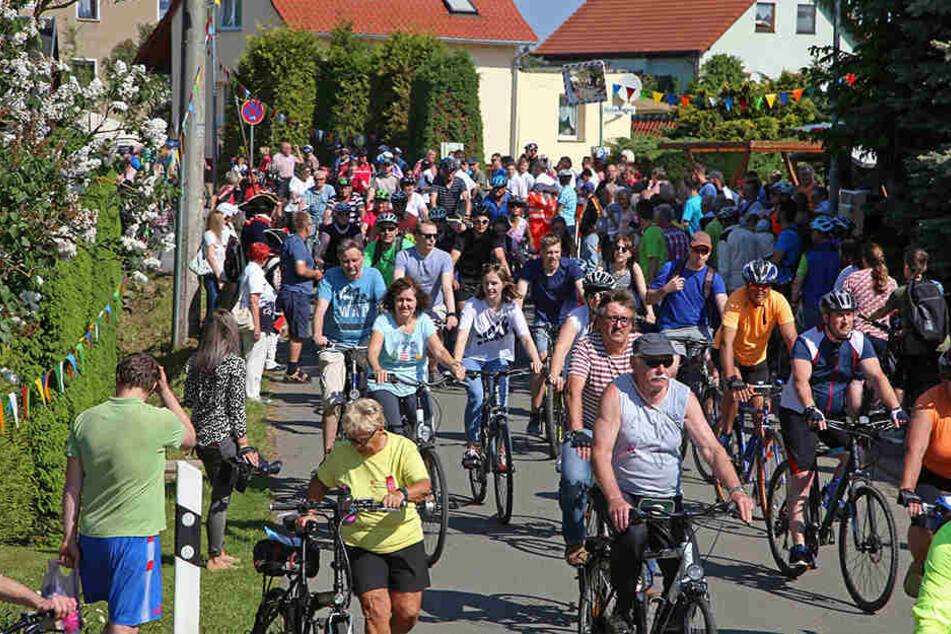 """Was für ein Ansturm: Zum 25. """"Radlersonntag"""" zog es Tausende Gäste nach Mülsen."""