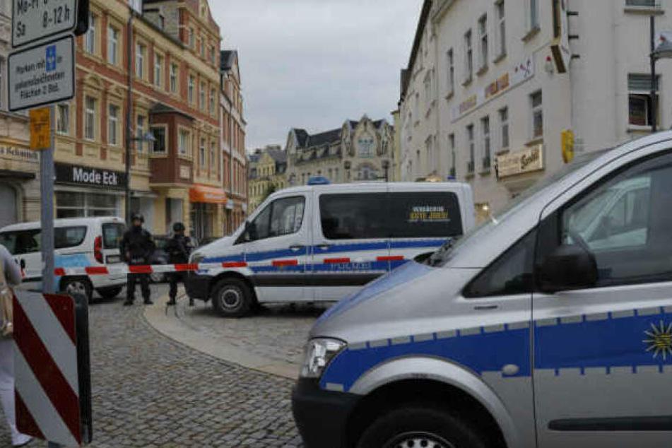 Auf der Suche nach Hardy G. riegelte die Polizei auch die City von Limbach-Oberfrohna ab.