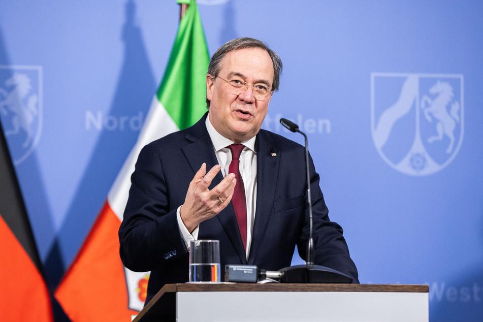 NRWs Ministerpräsident Armin Laschet (CDU) unterrichtet den Landtag am Donnerstag über die Bund-Länder-Beschlüsse im Kampf gegen die Corona-Pandemie.