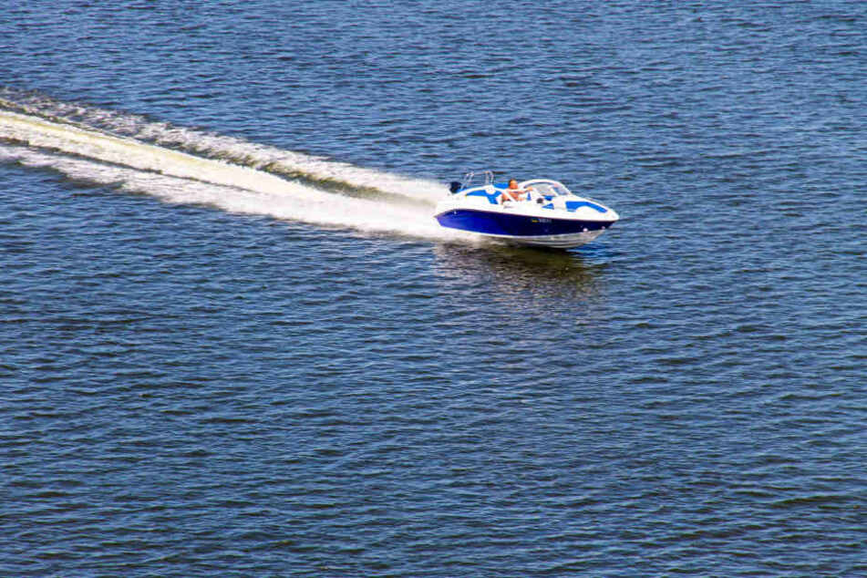 Die 16-Jährige war mit einem 60-PS-Rennboot unterwegs gewesen. (Symbolbild)
