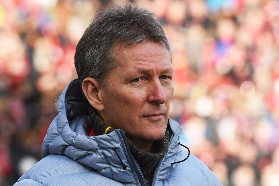 Durfte mit seiner Mannschaft Heracles Almelo einen großen Erfolg feiern: Der deutsche Trainer Frank Wormuth.