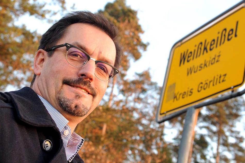 Weißkeißels Bürgermeister Andreas Lysk (61, parteilos) fordert nun den Abschuss des Wolfes.
